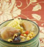 南北结合黄豆滋补猪手浓汤的做法
