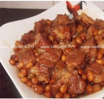 黄豆焖猪肉的做法