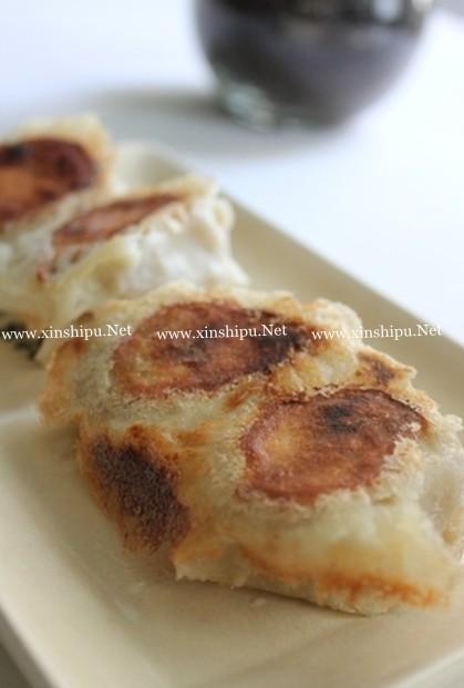 猪肉香菇荞麦煎饺的做法