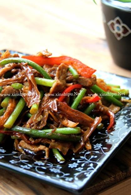 白辣椒蒜苗炒猪肉的做法