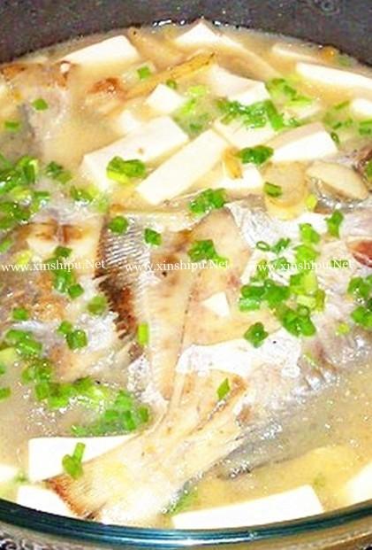 豆腐皮蛋煲的做法(价值鲳鱼)_鲳鱼豆腐煲晚上吃营养肠发胖吗图片