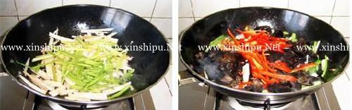 第4步木耳炒藕的做法图片