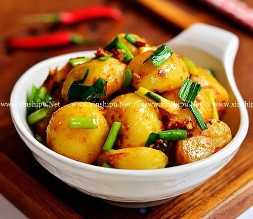 第4步红烧小土豆的做法图片