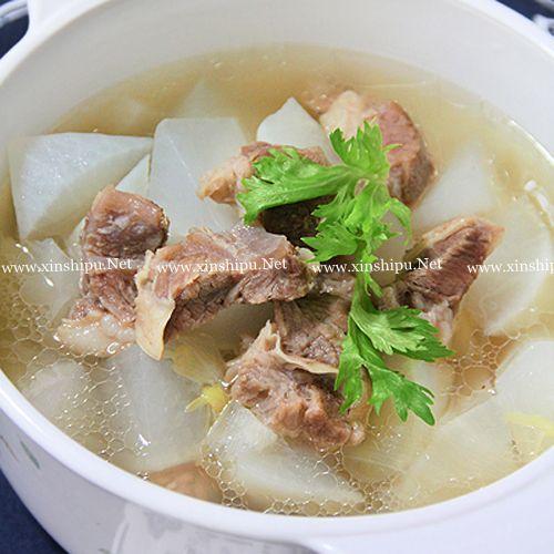 第4步清炖白萝卜牛腩汤的做法图片