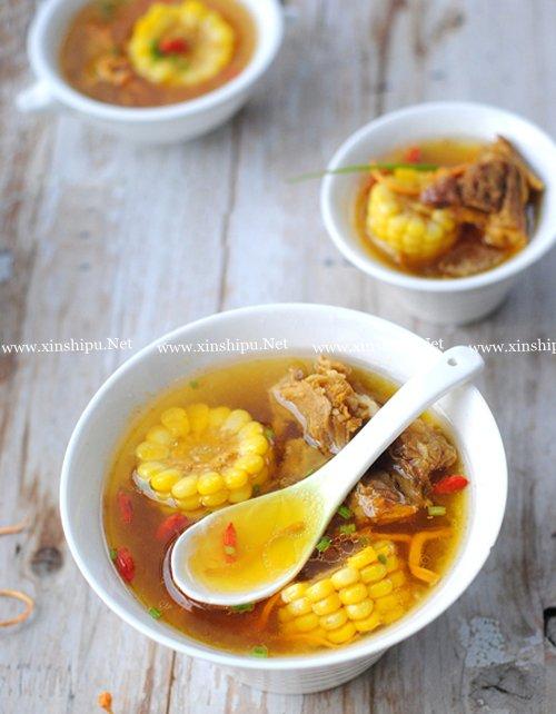 第1步虫草花玉米大骨汤的做法图片