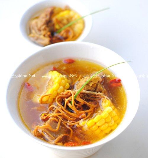第3步虫草花玉米大骨汤的做法图片