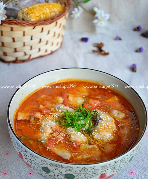 第1步酸爽开胃的水煮番茄鱼的做法图片