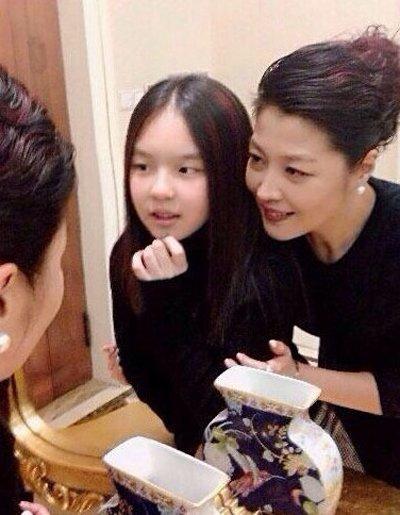 李咏老婆是谁 其女儿照片老婆哈文个人资料被揭