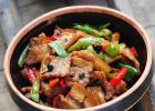 农家小炒肉的家常做法分享 教你如何选择五花肉的做法